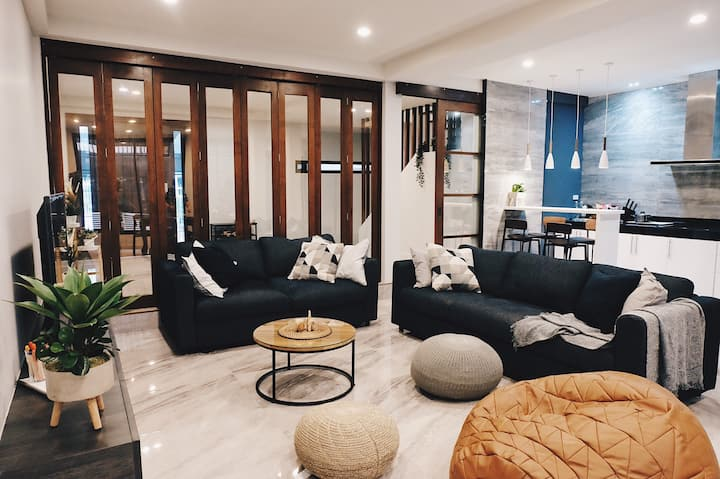 Entire Townhouse near Grand Palace & Kao Saan Road