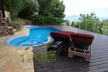Appartement avec vue sur l'océan et le lagon - Punaauia