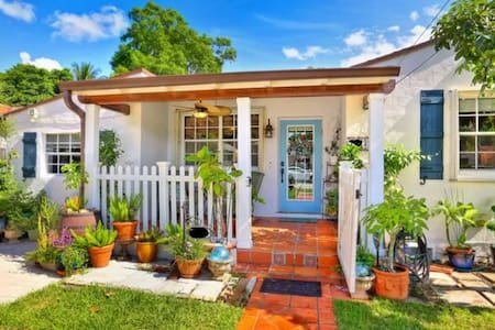 Miami Getaway feat. Cozy Porch and Vaulted Ceiling