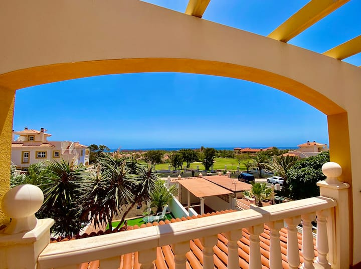 2 bed Penthouse Apartment with golf/sea view