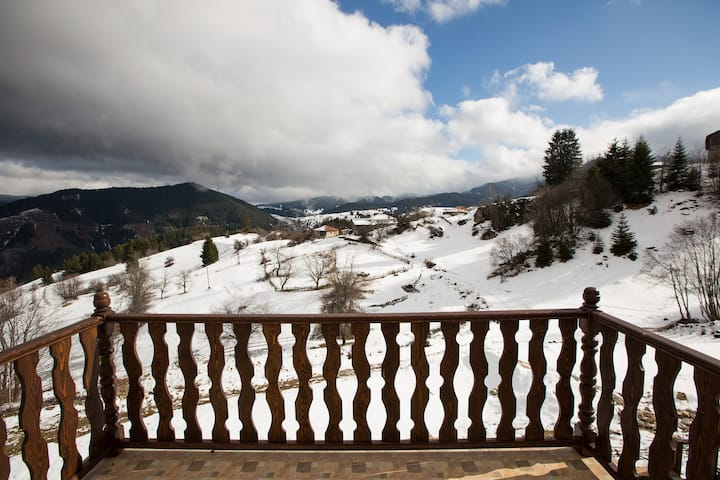 Guest house Panorama, 16 km from Pamporovo