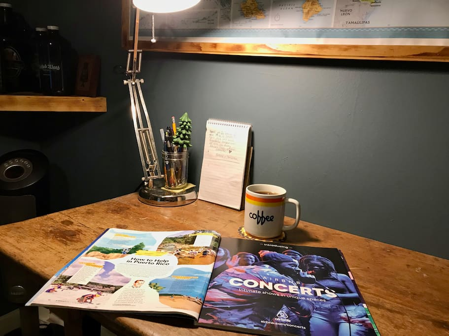 Your private sitting area; local St Augustine & Airbnb magazines to flip through