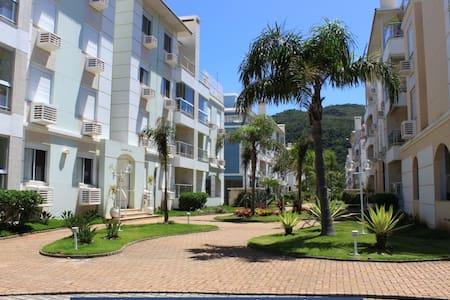 Ótimo Apartamento a  50m da Praia dos Ingleses