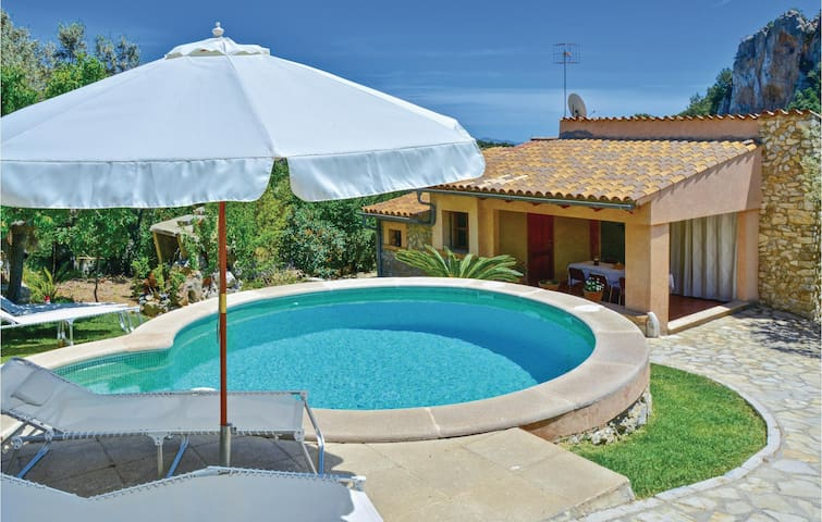 Holiday cottage with 3 bedrooms on 110 m² in Mancor de la Vall