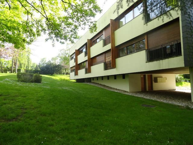 Appartement F2 en pleine nature au coeur d'un golf - Le Coudray-Montceaux - Appartement