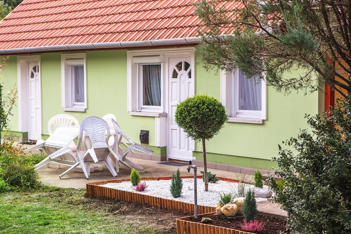 Tünde guest house - fluent english Host - Bogács