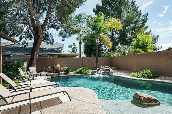 Upscale desert escape w/ private pool, back terrace & firepit - near Old Town!