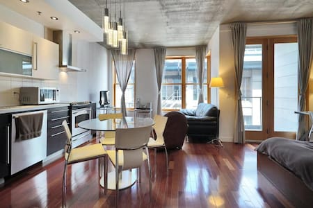 Gorgeous Loft in Old Montreal