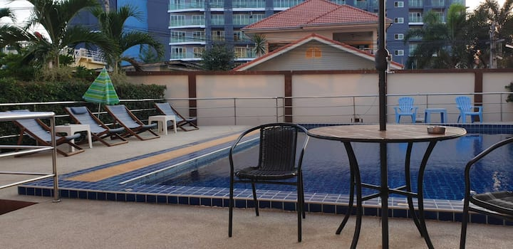 Bang Sarey Beach 2 Room Apartment with Balcony