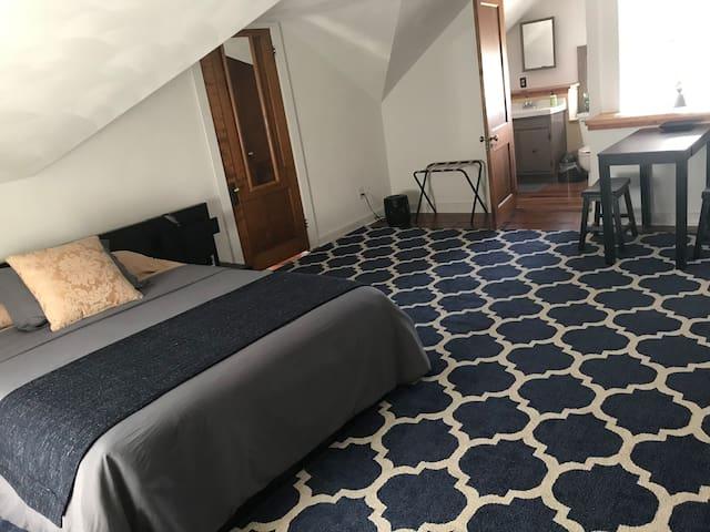Master Attic Suite Historic Home HeartofPeoria