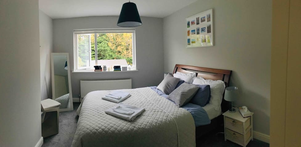 Double bedroom in Saggart, 20 min from the airport