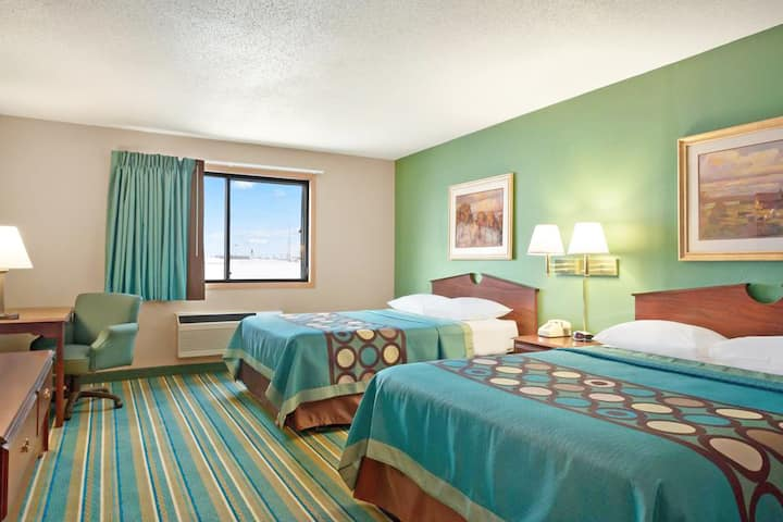 Sky-Palace Inn & Suites Hastings- Standard 2 Queen Bed Non Smoking