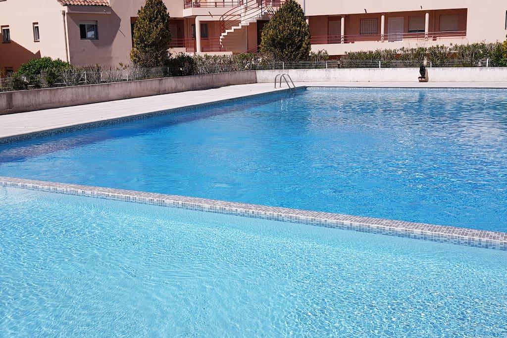 Duplex 4pers piscine terrasse prkg bord de plage for Piscine villeneuve loubet