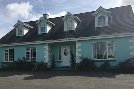 Large, comfortable home close to Gorey