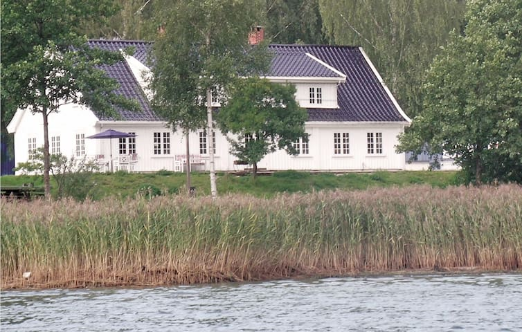 Holiday cottage with 6 bedrooms on 300 m² in Sætre