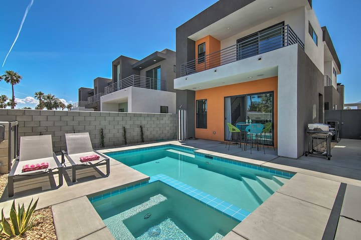 Luxurious Palm Springs Home 2 Mi. to Downtown