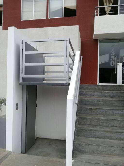 Entrada al Condominio