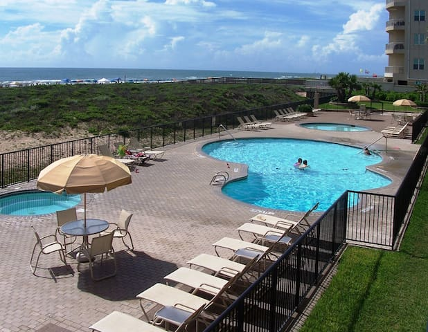 Beachfront Condo / Great View / Great Location - South Padre Island - Apartmen