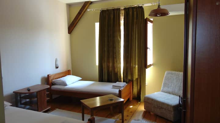 MILIN LAGUM - Standard Twin Room, Private Bathroom
