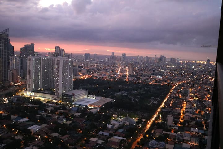Central 2BR 2 Balcony view, Gramercy Makati - Makati - Byt