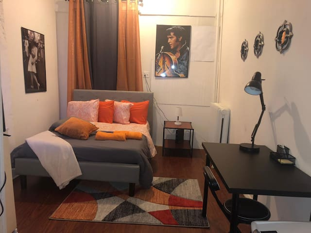 Studio Apartment in Williamsburg