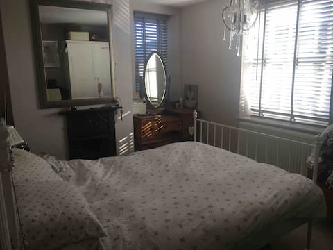 Double room Witney Town House, Central Witney