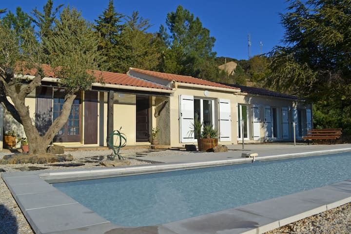 Delighful Villa in Berlou with Private Swimming Pool