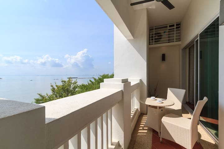 Home-Suites - Perfect Seaview, Straits Quay Penang