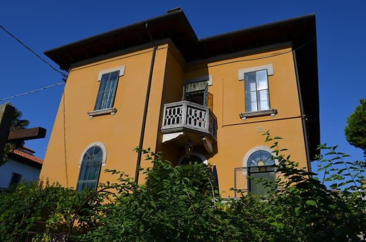 Ferienwohnung in Villa  mit Garten- Venedig Lido