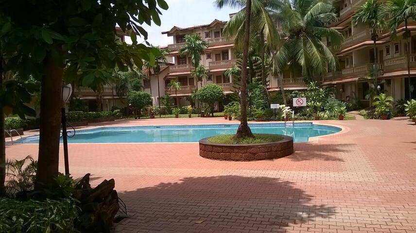 02 bedroom Apt in a 3 * resort at candolim - 卡蘭瓜德 - 公寓