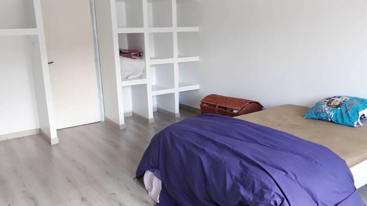 Chambre simple avec Sdb partagée/électroménagers