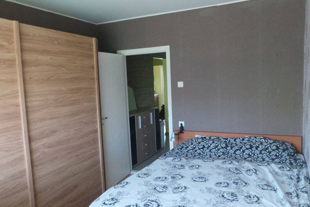 Bedroom, bed size 160 cm