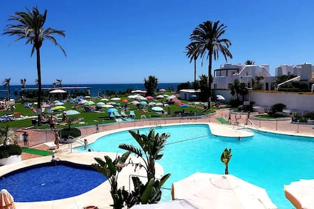 Estepona Villacana playa Beachside Townhouse