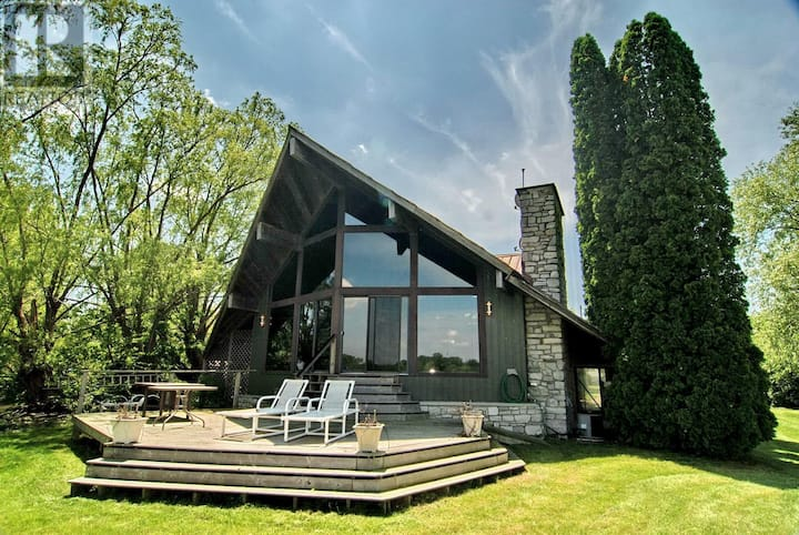 Beautiful A-frame Cottage