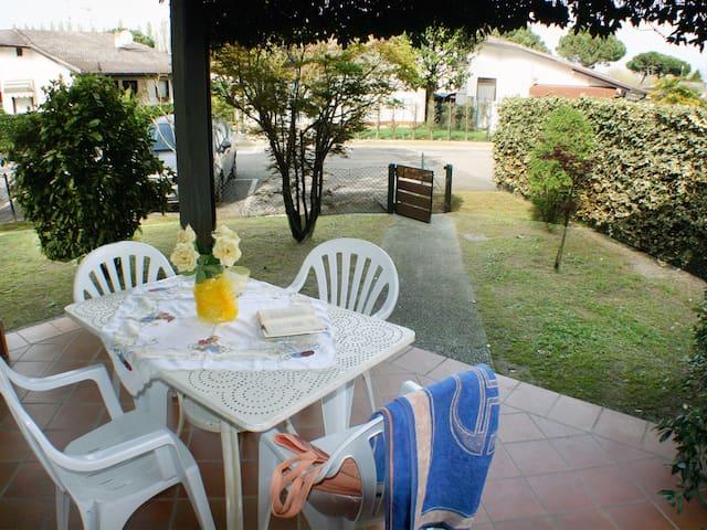 Villa c/giardino su 3 lati in Resid - Comacchio - Ház