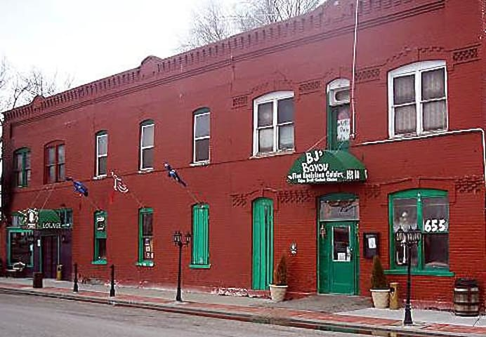 The Old Roberts Hotel #3