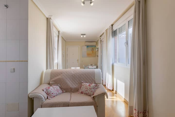 Amazing 2Bed Apt,w/Terrace next to the city center