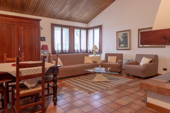 Casa con vista a Corrubbio