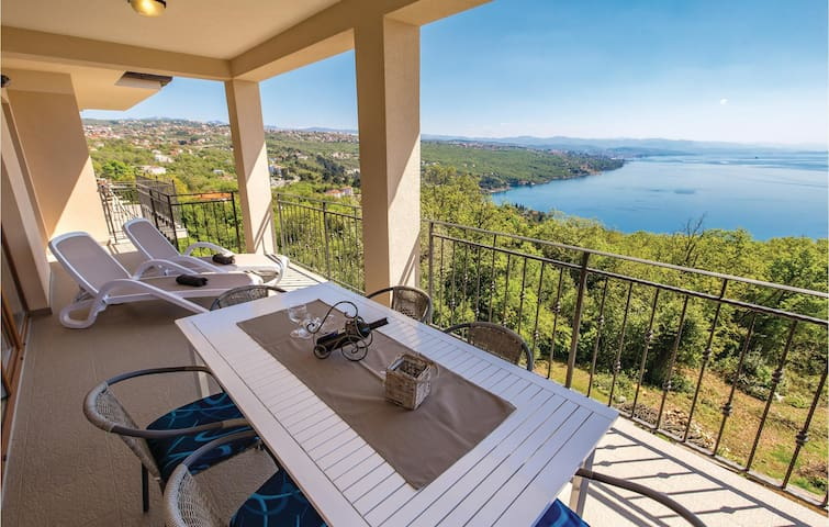 Holiday apartment with 3 bedrooms on 117m² in Opatija
