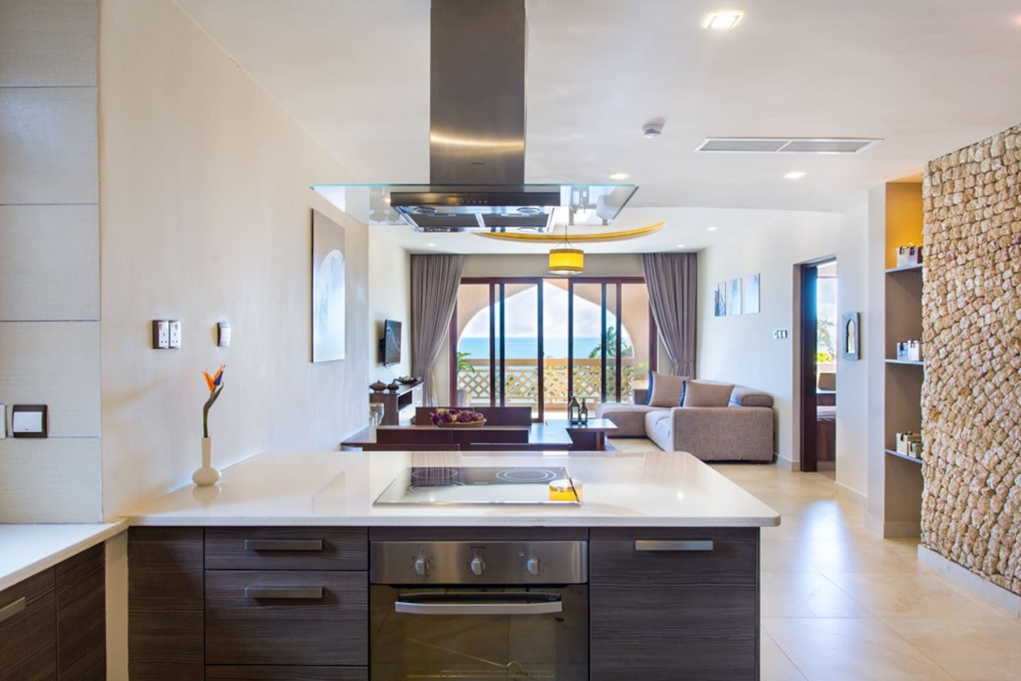 Kitchen and Lounge area