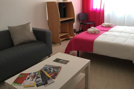 APARTMENT LISBON - REBOLEIRA  (near metro/train)