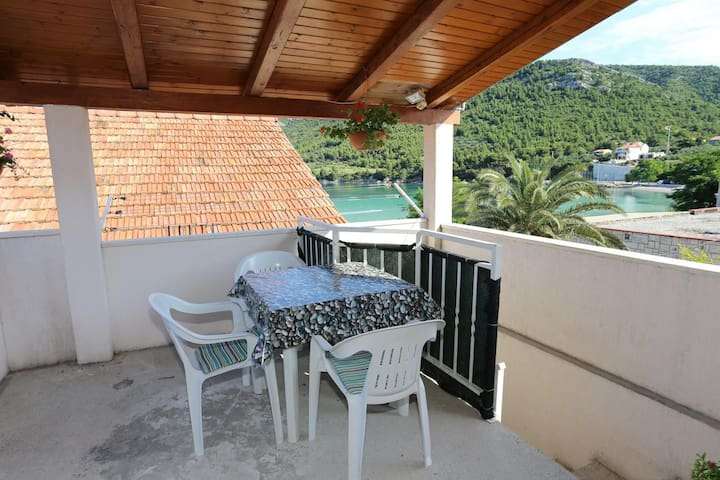 One bedroom apartment near beach Žuljana, Pelješac (A-10228-a)