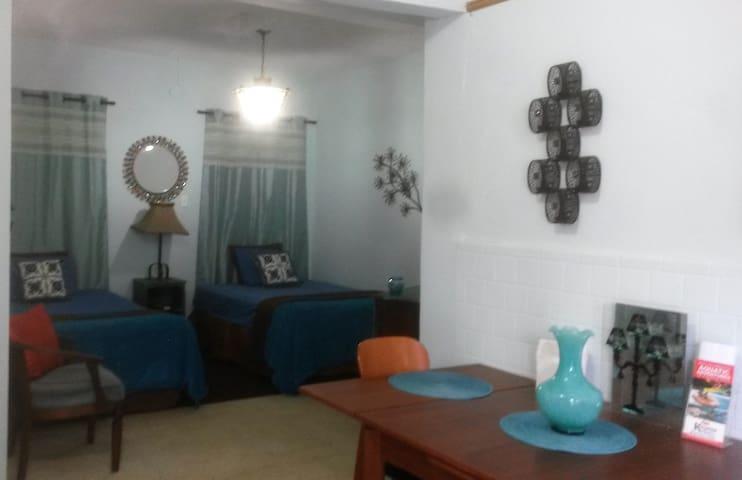 SanJuan6*PRIVATE STUDIO* 2 Beds+A/C+Parking+Wifi