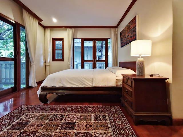 Room No.4 (SECONDARY BEDROOM)