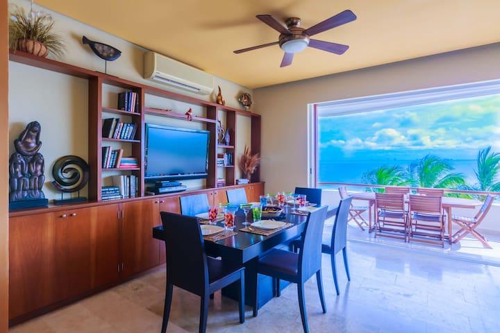 Oceanfront 3BD Villa/ Pool Isla Mujeres  suite105