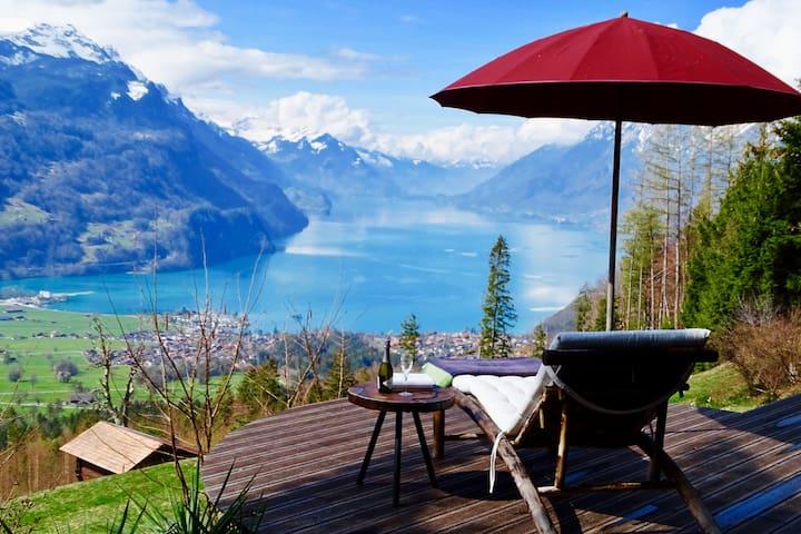Chalet mit traumhaftem See- und Alpenblick