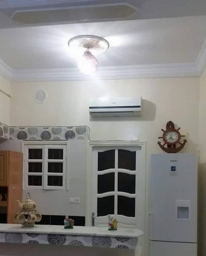 Appartement richement meublé à la plage de Salmbo