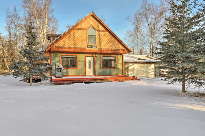 NEW! Cozy Wasilla Cabin Near Hiking, Skiing & Town