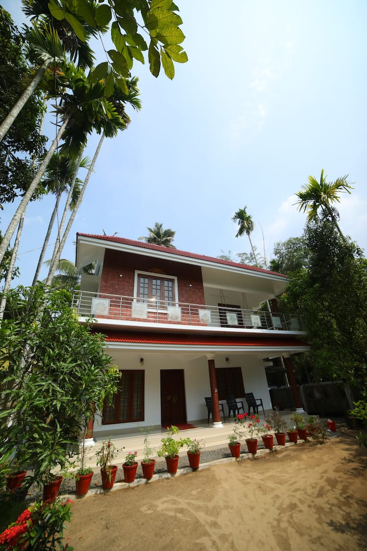 SOORYA HOME STAY , A/C ,Free Wifi, Double Bed