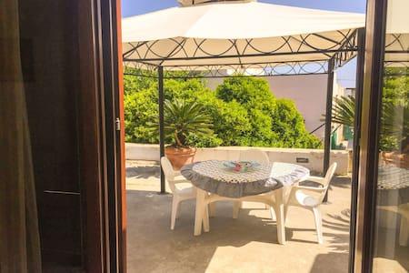Lipari, Rubino Holiday Home, 2/4 person - Canneto - Appartement